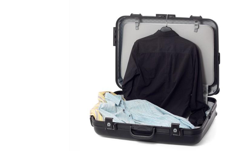 Bringen Sie eine Auswahl an Kleidung mit, sodass man vor Ort wechseln kann, falls aus irgend einem Grund ein Kleidungsstück unpassend ist (Kontrast, Farbtöne etc.).